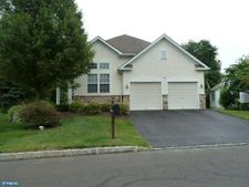 30 Goldfields Ave, Langhorne, PA 19047
