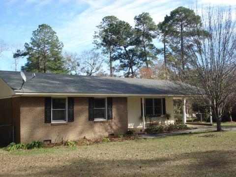 Photo of 802 Westlake Dr, Quitman, GA 31643