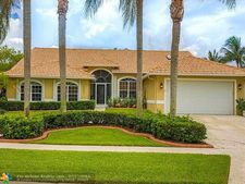 7050 Peninsula Ct, Lake Worth, FL 33467
