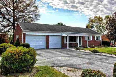 1104 hanover rd york pa 17408 home for sale and real estate listing