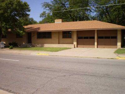 1601 N Cleveland St, Hutchinson, KS