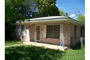 412 Florence St, Kerrville, TX 78028