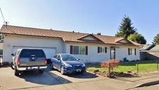 701 S 3rd St, Jefferson, OR 97352