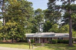 407 Dellbrook Dr, Longview, TX 75604