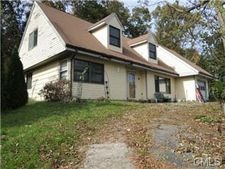 17 Meadowview Ter, Monroe, CT 06468