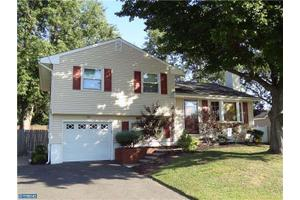 10 Sun Valley Rd, Hamilton, NJ 08690