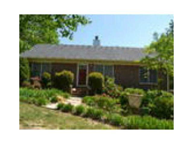 960 Walker Place Dr, Douglasville, GA 30134