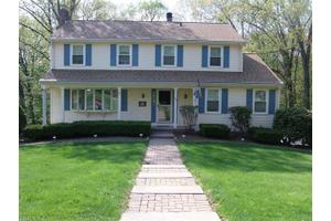 121 Olson Dr, Southington, CT 06489