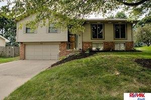 15021 Hawthorne Cir, Omaha, NE 68154