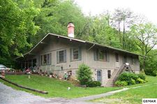 1204 Wears Valley Rd, Pigeon Forge, TN 37863