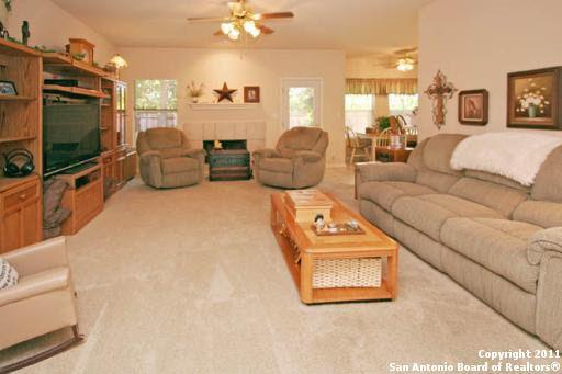 438 Stone Creek Dr, Boerne, TX 78006