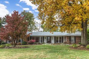 14156 Cross Trails Dr, Chesterfield, MO 63017