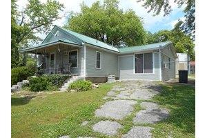 321 W 7th St, Mountain Home, AR 72653