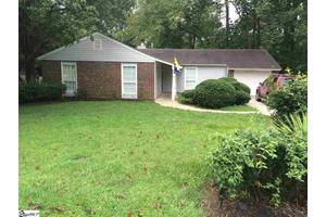 33 Oak Glen Dr, Greenville, SC 29607