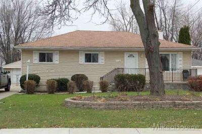 632 W Girard Ave, Madison Heights, MI