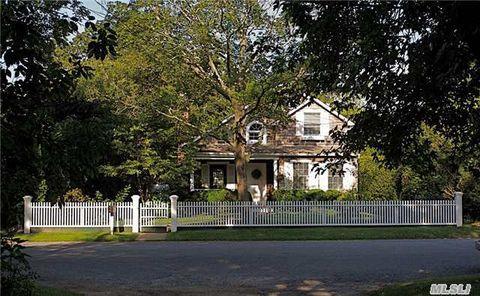 10 New Jersey Ave, Bellport Village, NY 11713