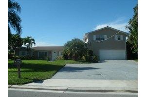 692 SW Pine Tree Ln, Palm City, FL 34990