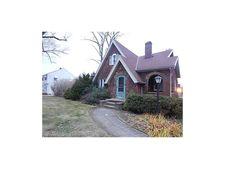 10701 Elmwood Ave, Garfield Heights, OH 44125