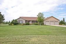 7725 70th St S, Horace, ND 58047
