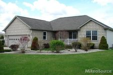 5945 Deer Meadow Trl, North Branch, MI 48461