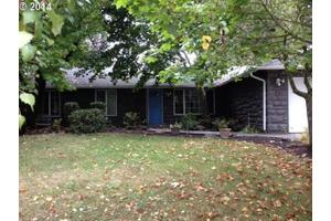 10323 NW 16th Ave, Vancouver, WA 98685