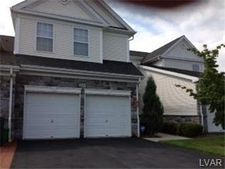 215 Eagles Creek Ct, Williams Township, PA 18042