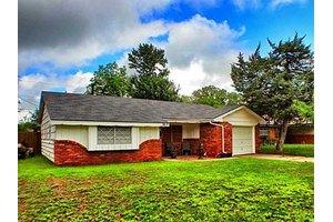 2617 N Reeves Ave, Oklahoma City, OK 73127