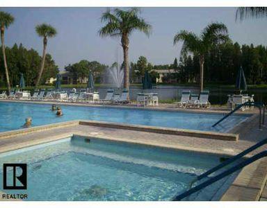 3114 Lake Pine Way # 222D1, Tarpon Springs, FL