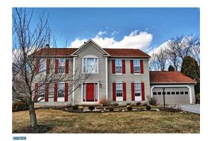 8 Balmoral Dr, Chadds Ford, PA 19317
