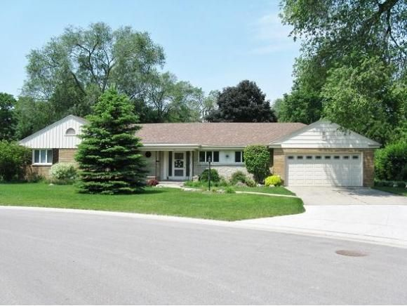 10 sunset cir fond du lac wi 54935 home for sale and for Home builders fond du lac wi