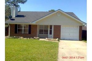 617 Oak St, Hinesville, GA 31313