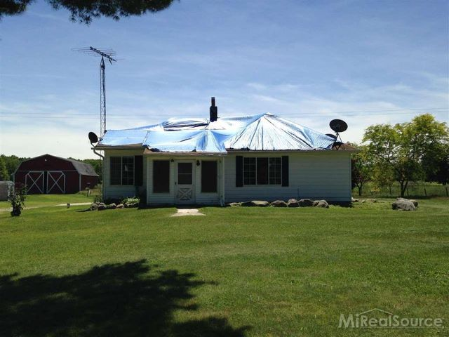 4138 wellman line rd jeddo mi 48032 3 beds 1 baths