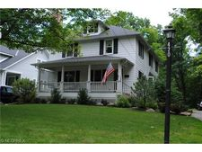 420 Bell St, Chagrin Falls, OH 44022