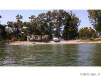 8639 State Park Rd, Lyme, NY 13693