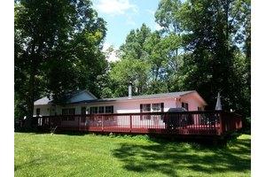 170 Hickory Ln, Saylorsburg, PA 18353