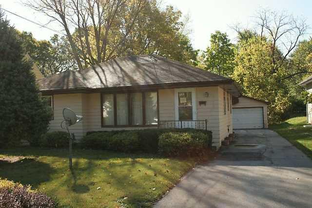 Gentil 2720 Adams Ave, Des Moines, IA 50310