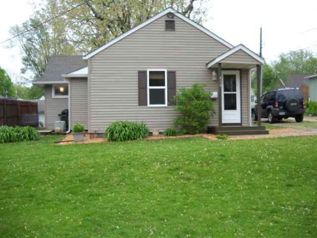 810 Catherine St, Cedar Falls, IA 50613
