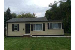 22505 Gordon Rd, Saint Clair Shores, MI 48081