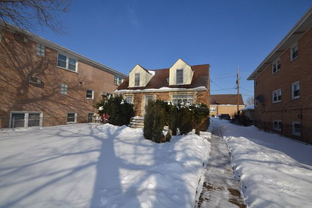 6840 W Gunnison St, Harwood Heights, IL