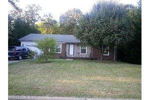 604 Clark Ave, Greensboro, NC 27406
