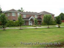 112 Bayshore Dr, Parkton, NC 28371
