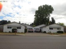 830 S R St, Cottage Grove, OR 97424