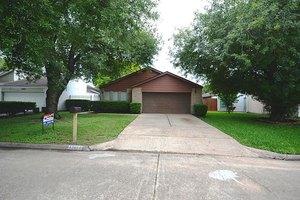 13811 Peach Hollow Ln, Houston, TX 77082