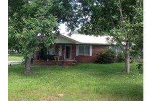 817 Madison Ave, Tifton, GA 31794