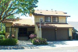852 Cliffside Ct, Oakdale, CA 95361