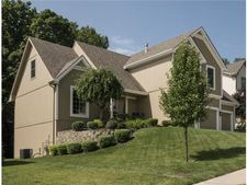 14035 Nw 63rd St, Parkville, MO 64152