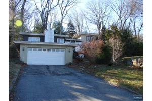 35 beech ter wayne nj 07470 home for sale and real for 17 tremont terrace wanaque nj