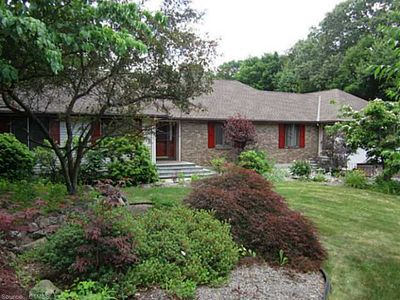 15 Stonefield Dr, Prospect, CT 06712