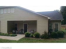 115 E Brick Walk Ct, Mocksville, NC 27028