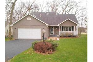 1437 Dresden Rd, Lake Summerset, IL 61019